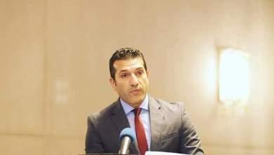 Photo of المذيع المصري أيمن حسين وإبداعات في عالم الأدب والشعر