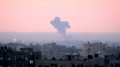 Photo of شهيدان اثر قصف الاحتلال لشقة سكنية في غزة