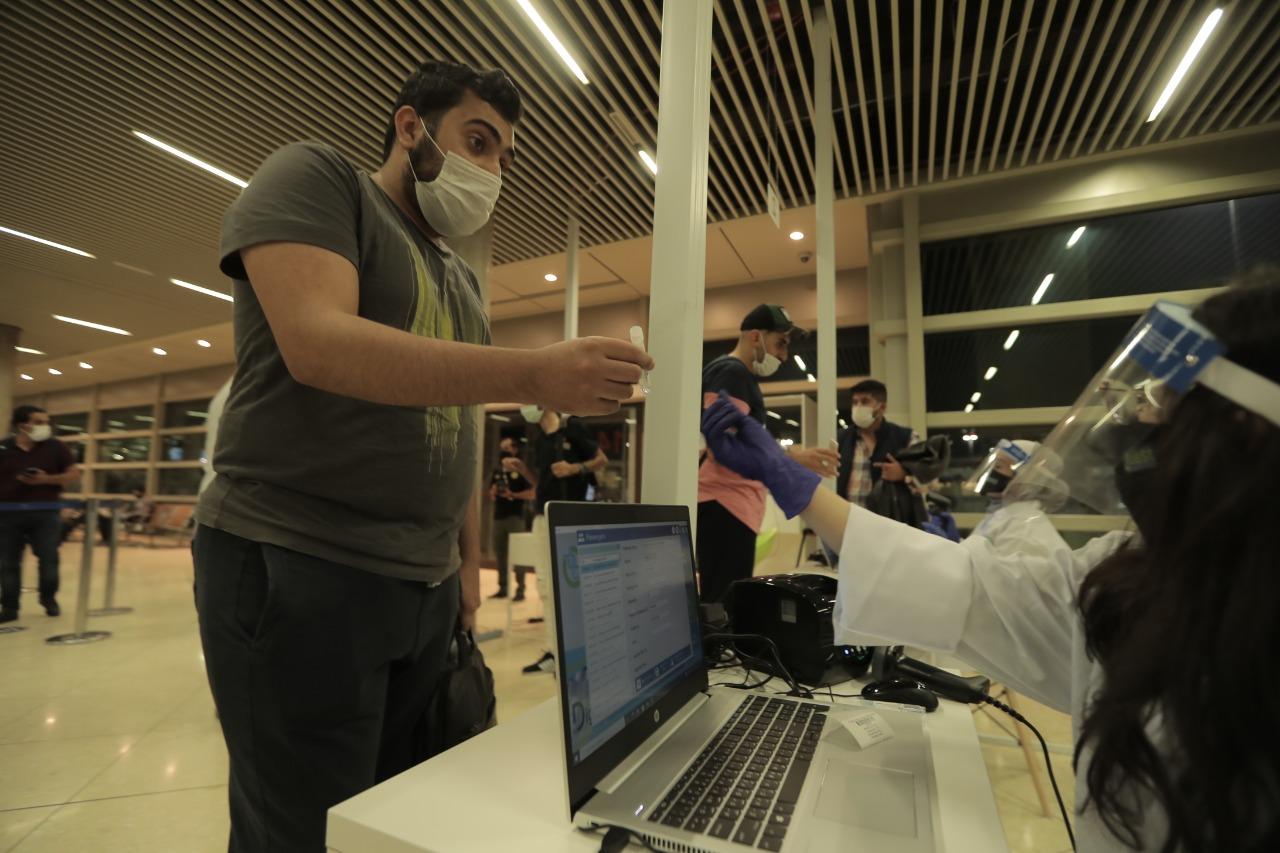 جانب من وصول أول رحلة طيران قادمة من تركيا إلى مطار الملكة علياء الدولي