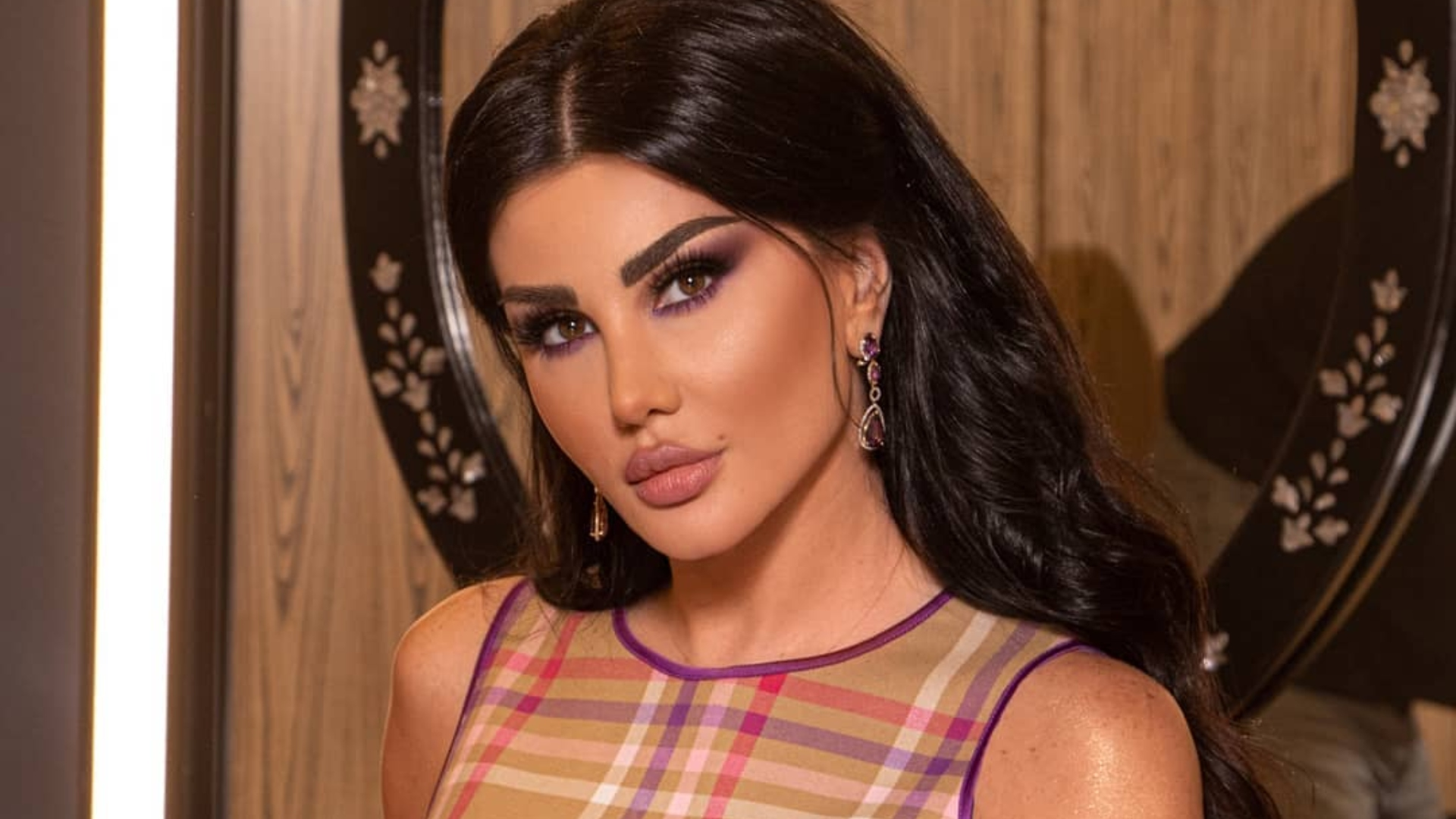 الممثلة السورية جيني اسبر