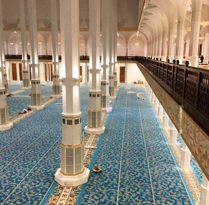 المسجد من الداخل