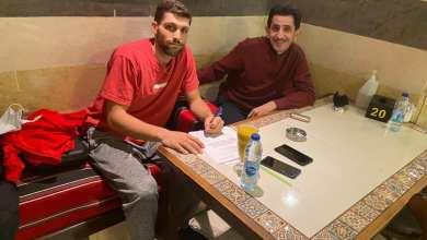 "Photo of أمين أبو حواس يوقع عقدا تسويقيا مع ""Advantage Sport"""