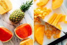 الفواكه الاستوائية الحلوة، مثل المانغو والأناناس والبطيخ والموز، مليئة بالسكر.