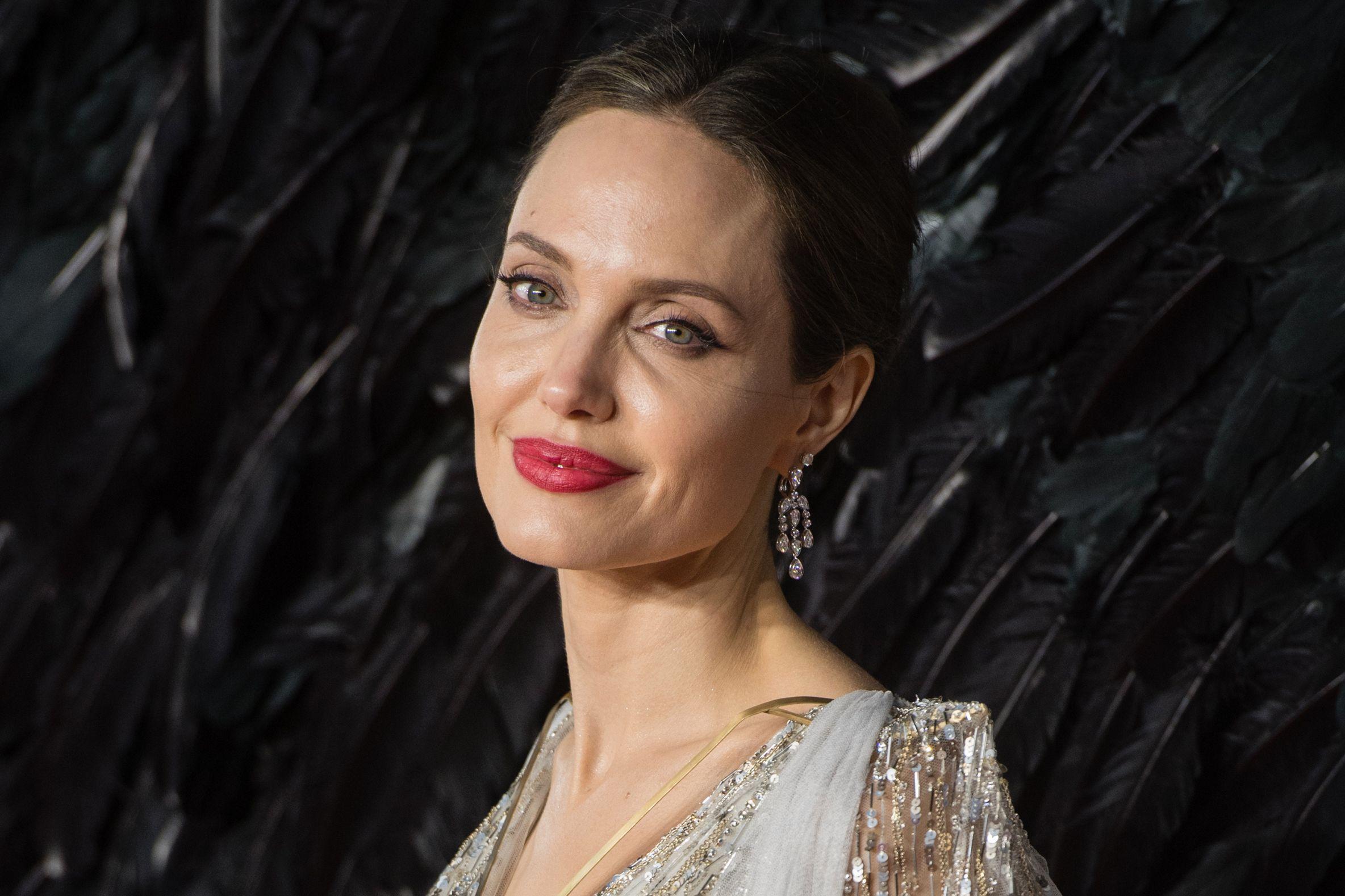 المخرجة والممثلة أنجلينا جولي