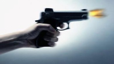Photo of عشريني يطلق النار على أحد أقربائه وينتحر في جرش