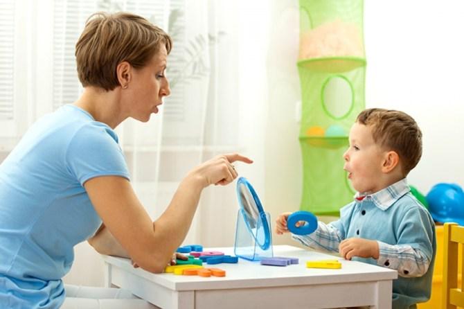 تأخر النطق في الكلام عند الأطفال