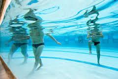 personnes piscine 2