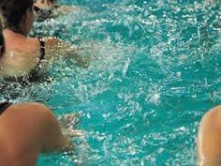 personnes piscine