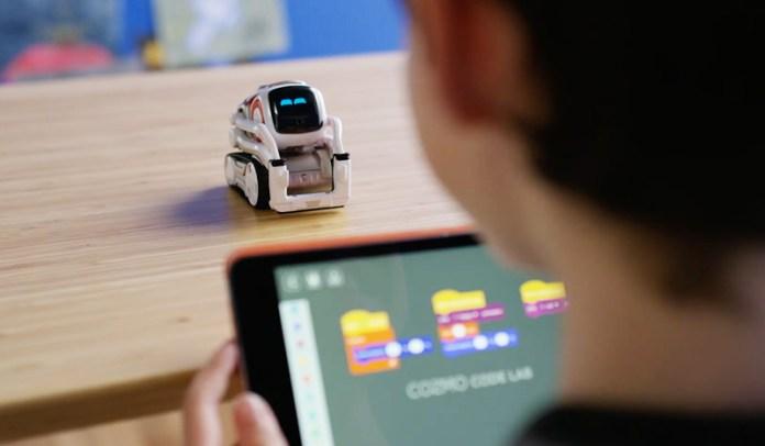 Anki AI Robot
