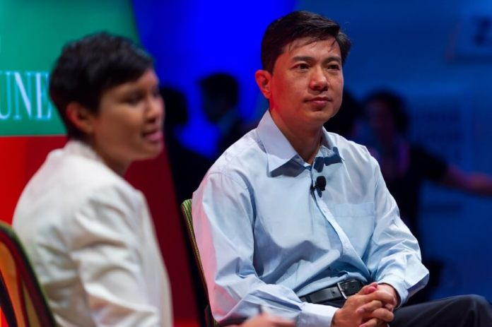 Robin Li CEO of Baidu (R) Mass Producing Self Driving Cars in 5 Years