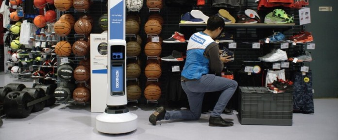 Simbe Robotics Tally robot in action in a Decathlon store