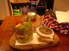 Classic Cocktail of Atlantic & Tiger Prawns, Marie Rose Sauce, Lemon & Bloomer Bread