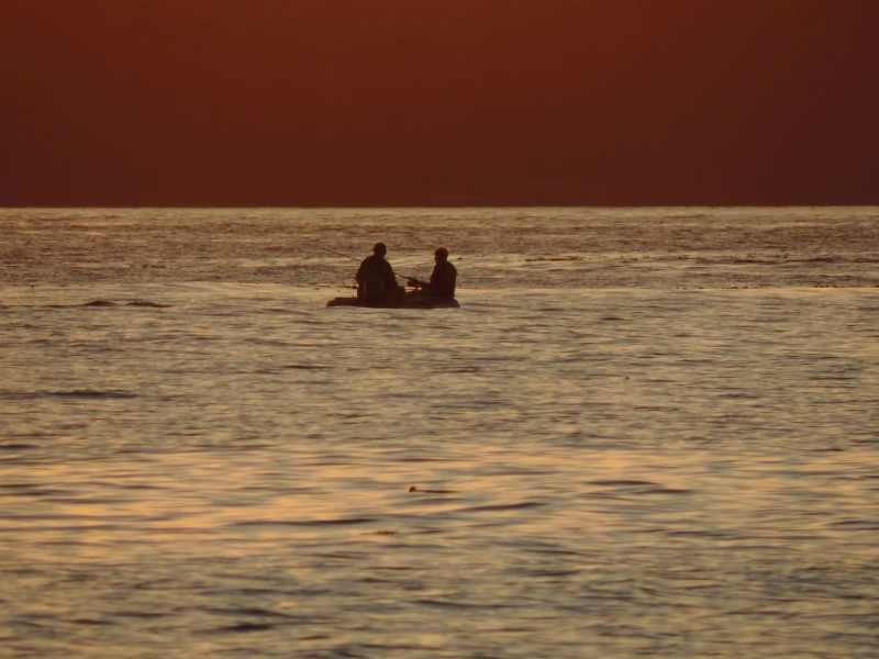 דייגים בשקיעה בפארק נורת רים