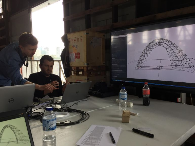 Rob Arch 2016 - Dynamo Revit Scripting - Suleiman Alhadidi Robotics in architecture