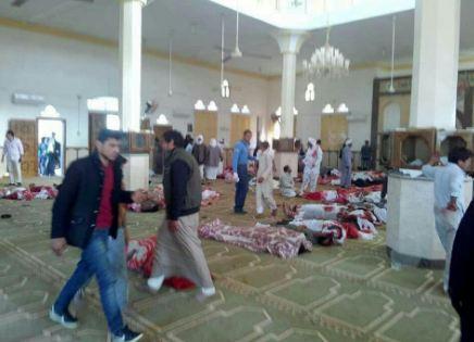 صورة متداولة لتفجير مسجد بالعريش