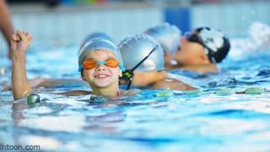 تعليم السباحة للأطفال -صحيفة هتون الدولية