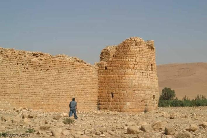 قصــر الحــلابات الأثري في الاردن -صحيفة هتون الدولية