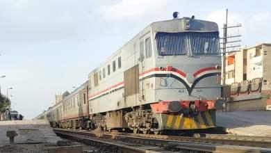 شاهد: لحظة قفز ركاب من قطار خرج عن مساره بمصر - صحيفة هتون الدولية