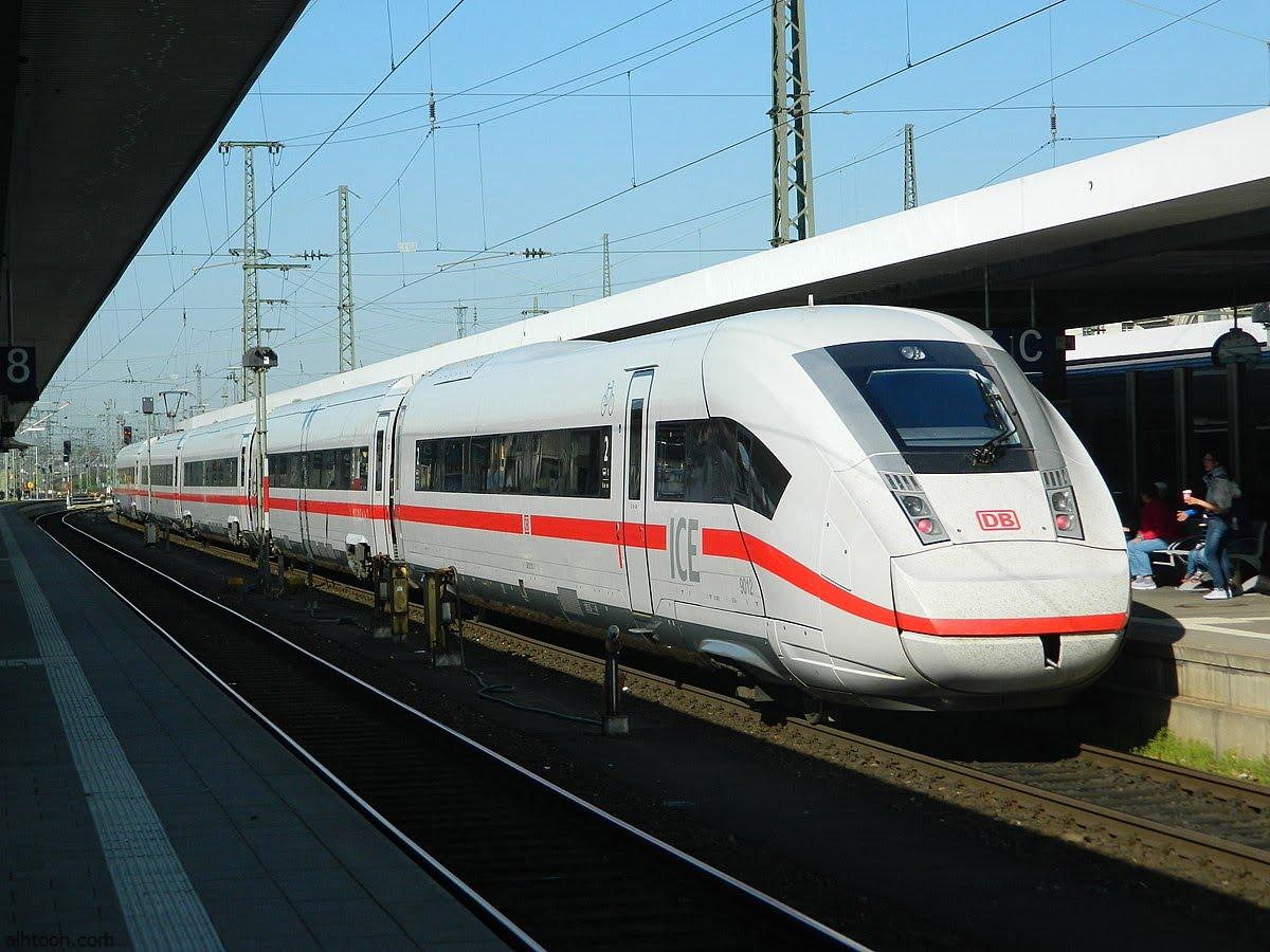 شاهد: لحظة خروج قطار تايوان عن القضبان - صحيفة هتون الدولية