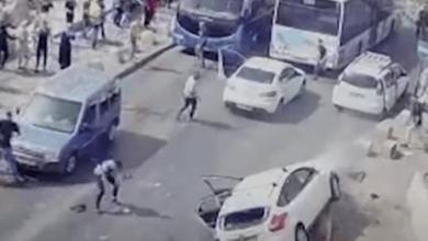 شاهد: مستوطن يحاول دهس شبان فلسطينيين - صحيفة هتون الدولية
