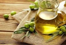 فوائد زيت الزيتون للشفاه