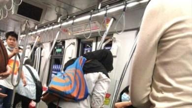 فيديو: رجل ينزلق تحت القطار - صحيفة هتون الدولية