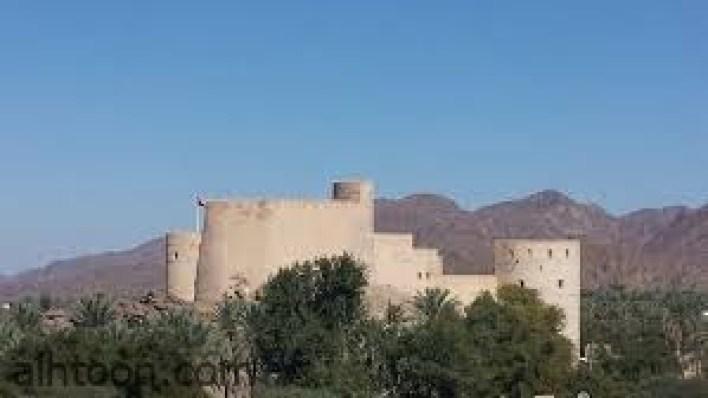 قلعة الرستاق.. أعلي القلاع في عمان -صحيفة هتون الدولية