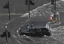 شاهد: غرق المركبات في لندن بسبب الأمطار - صحيفة هتون الدولية