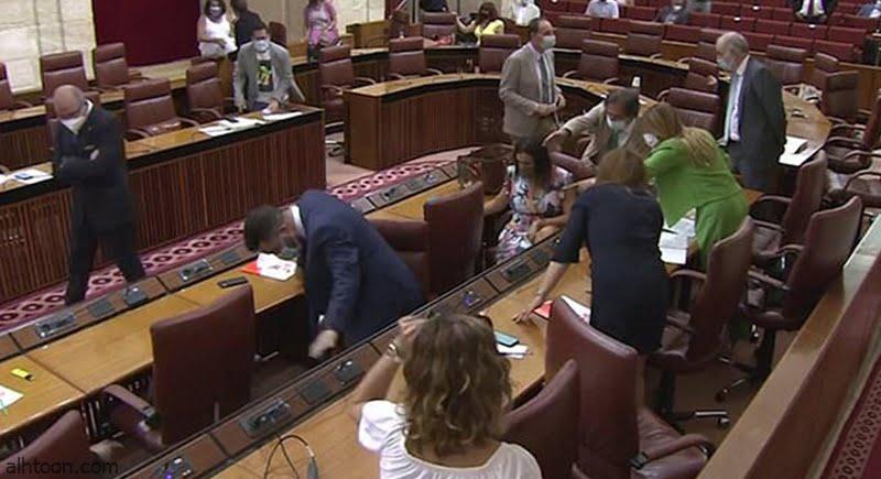 فوضى في برلمان الأندلس .. والسبب فأر - صحيفة هتون الدولية