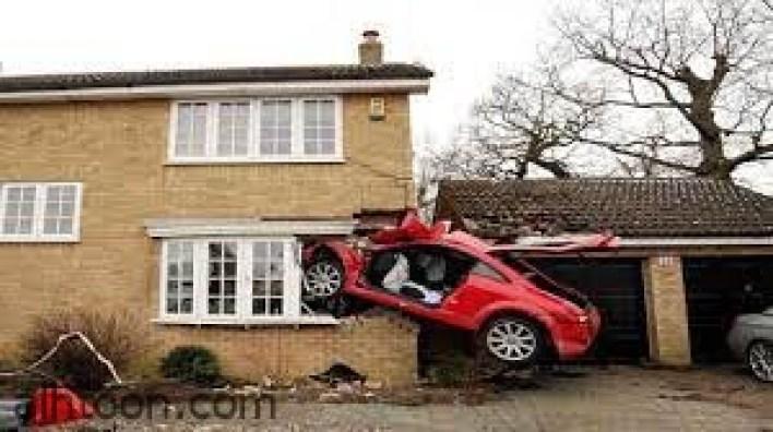 أغرب حوادث السيارات في العالم -صحيفة هتون الدولية