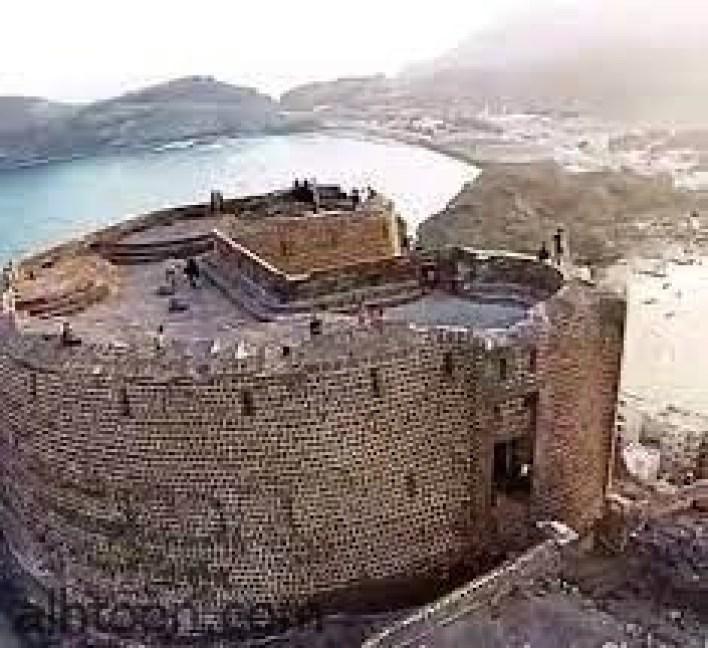قلعة صيرة عنوان الشموخ التاريخي -صحيفة هتون الدولية