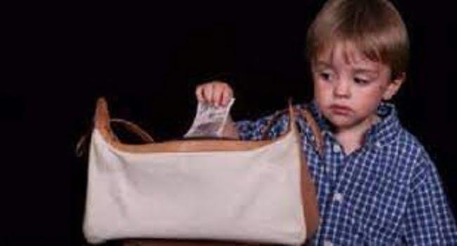 ابني يسرق ..ماذا أفعل ؟ -صحيفة هتون الدولية-
