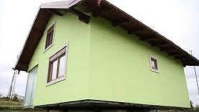 رجل من أجل زوجته يبني بيتاً دواراً حتى لا تمل من تكرار المناظر -صحيفة هتون الدولية