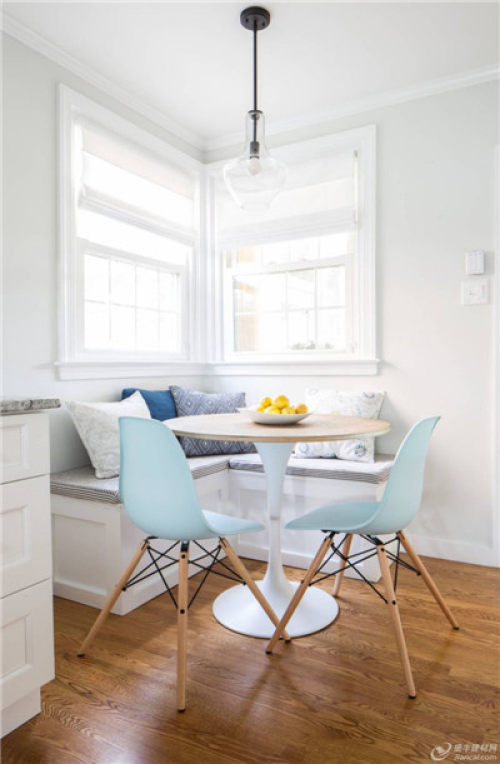 kitchen banquette retro wallpaper 早餐角落长凳 国内要闻 建材网 选择一张完全装饰的长凳 让你的角落更吸引人