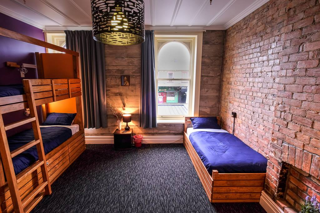best hostels in Auckland New Zealand