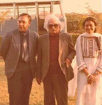Alia with Dr. Prof. Saleem uz Zaman Siddiqui amd Prof Atta-ur-Rehman