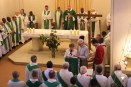 chapelle avec Mgr et les Hiron.JPG