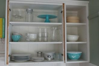 open-shelves-before