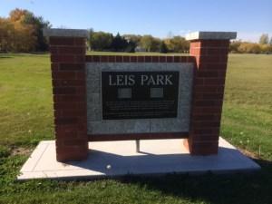 Leis Park Sign