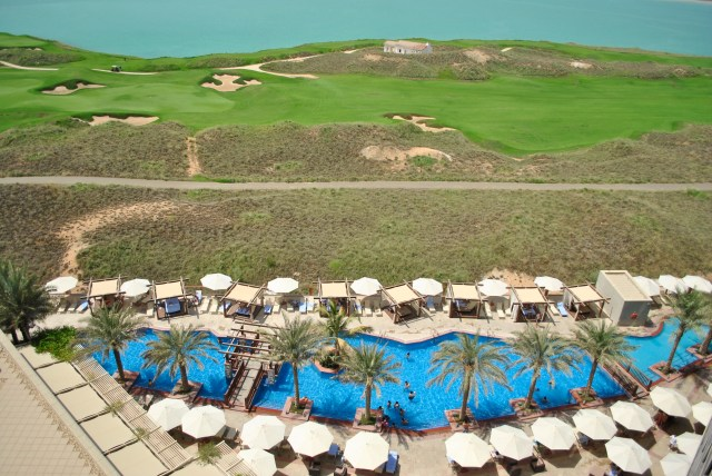 5PM Pool & Golf Links:Radisson Blu Yas Island, Abu Dhabi: f/3.5 1/1600sec; ISO-100