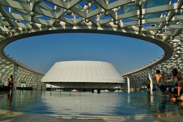 Yas Viceroy's Rooftop Pool: f/14; 1/320sec; ISO-100