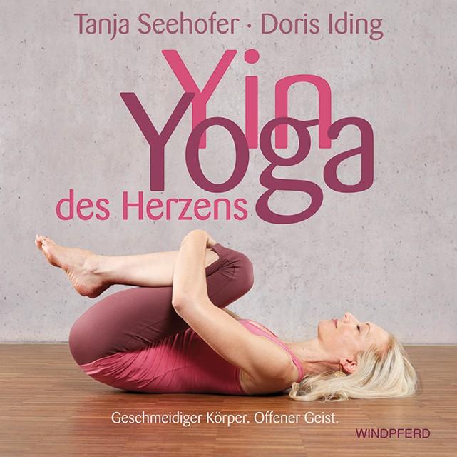 Tanja Seehofer ist Bewusstseinsforscherin unterrichtet Yogaklassen, also eine perfekte Kombination zum luziden Traum Training.
