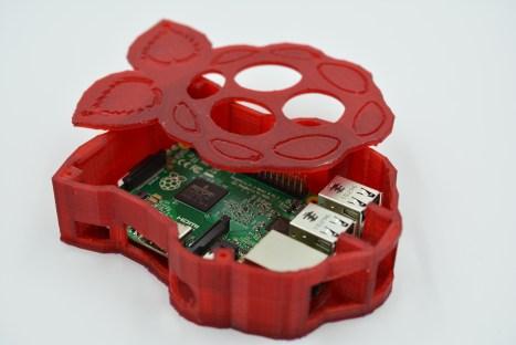 mkrclub raspberry pi case
