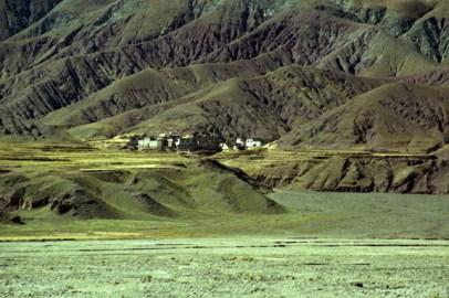 a-town-in-tibet