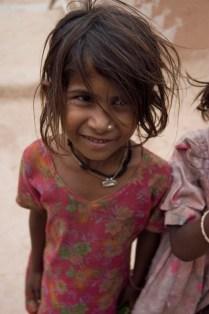 girl-thar-desert-2