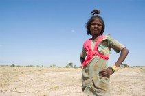 girl-thar-desert