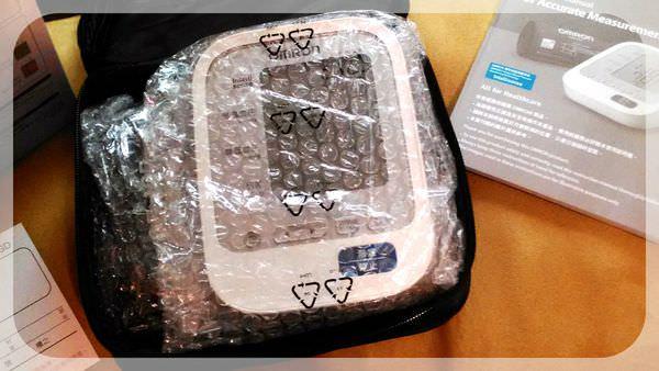 【血壓計推薦】歐姆龍OMRON手臂式血壓計~家庭必備品 – 兔子洞裡的愛麗絲