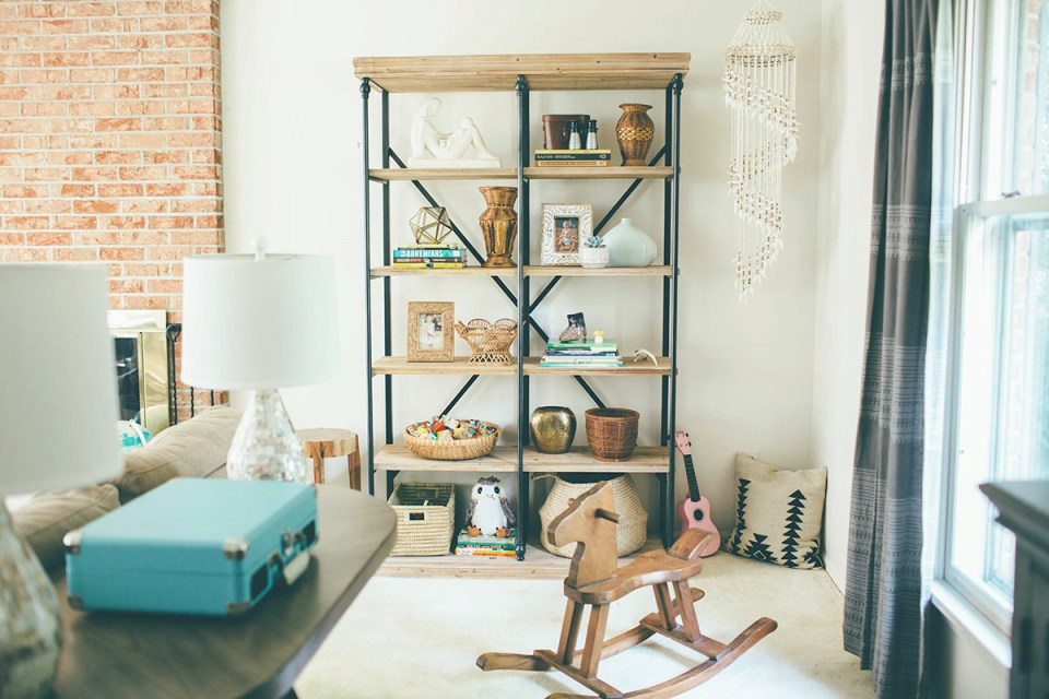 Rustic-Boho-Shelf-Styling-in-the-Family-Room