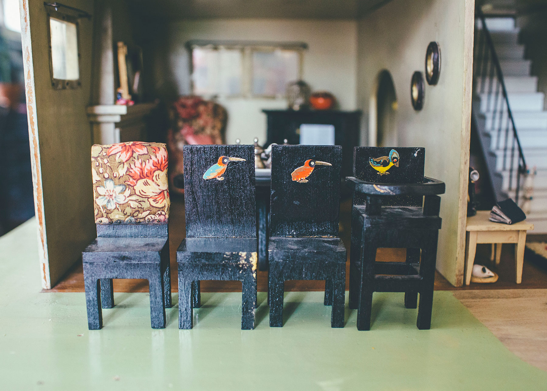 ... Antique Dollhouse Dining Room Chairs ...