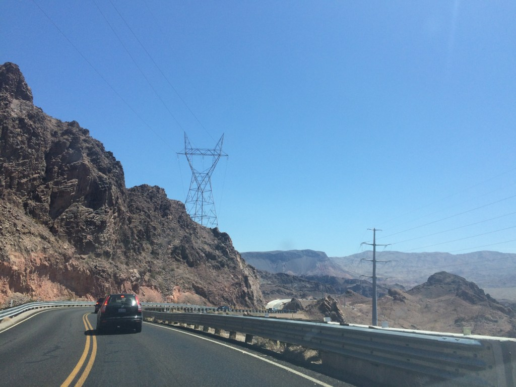 drive to the hoover dam